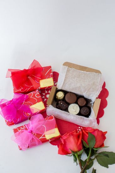 Assorted gift box - 6 pc